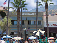 The Edgewater is located in the center of Avalon and is surrounded by front street, shopping, activities and restaurants.